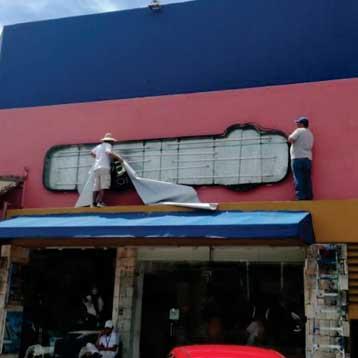 cambio de lona letrero Cancún