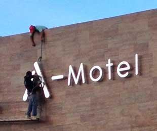 Letrero Motel Quintana Roo
